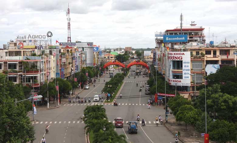 Long An Vietnam  city images : ... îlot du même nom, au district de Long Ho, province de Vinh Long