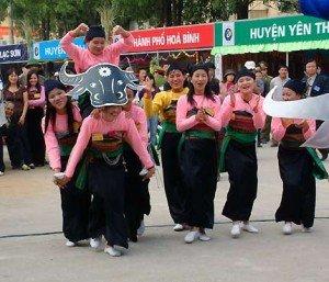 Les villages ethniques des Muongs