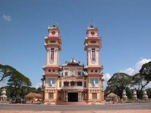 Le temple caodaïste Tay Ninh