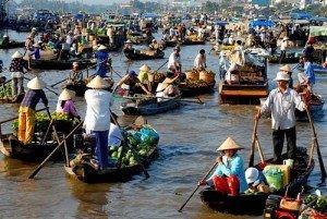 Le marché flottant de Cai Be et l'îlot Tan Phong
