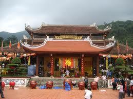La pagode de Yen Tu