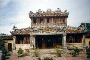 La bibliothèque royale ou Thai Binh Lau