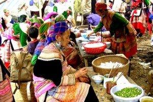 Le marché de Côc Ly se déroule tous les mardis
