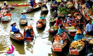 Marche flottant dans le Delta du Mékong