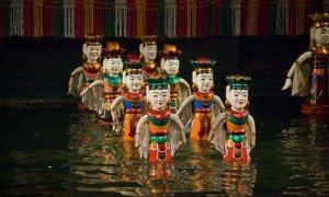 marionnettes sur l'eau a Hanoi