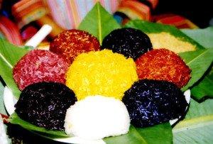 Le riz gluant aux cinq couleurs