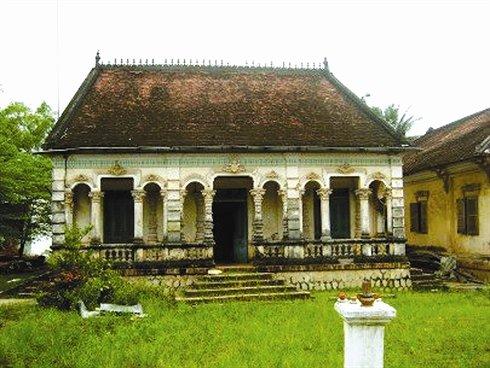 Guide francophone au vietnam voyage pas cher guide francais chauffeur priv agence de voyage for Photos maisons anciennes